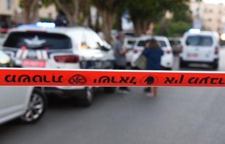 """פורץ מטירה נכנס לביתם של קשישים בכפ""""ס – הבעל הצליח לעכב את הגנב עד הגעת המשטרה"""