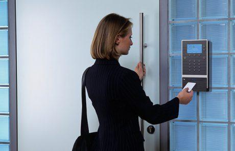 שעוני נוכחות במקומות עבודה ב2020 – מה אומר החוק?