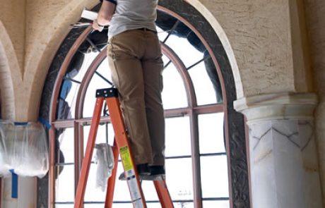 איטום גג מרוצף – מתי נדרש להרים את הריצוף?